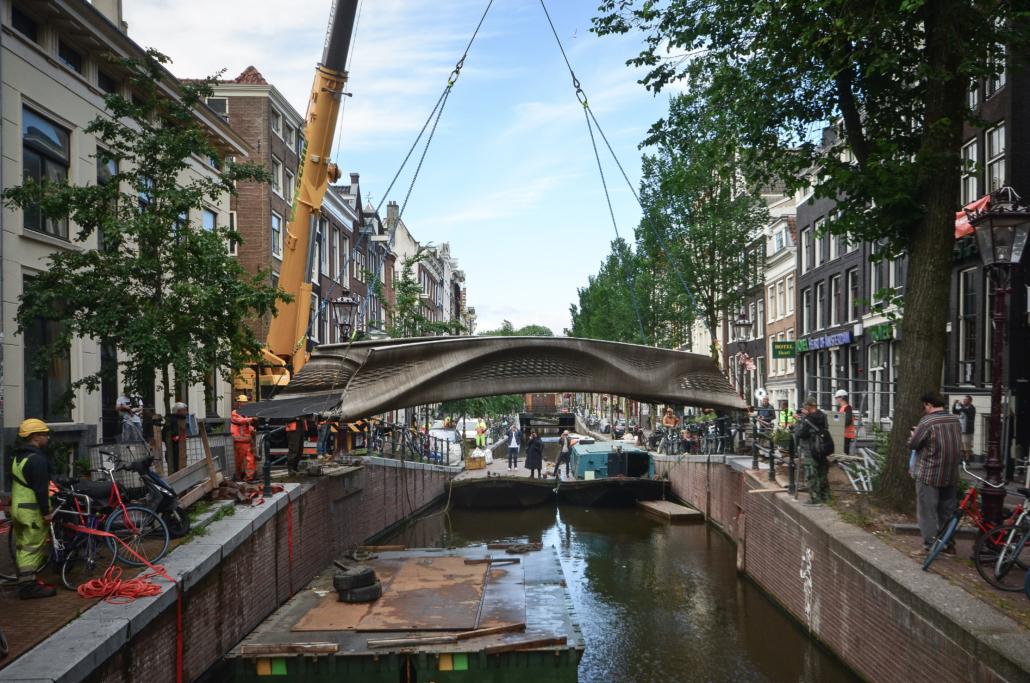 BRIDGE PLACEMENT AMSTERDAM